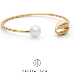 Jewelry - Just In🐚Boho Gold Shell&Simulated Pearl Open cuff
